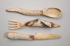 Wood Carving Nice idea for cutlery. Posted by Weird Wood on FB. Wooden Spoon Carving, Carved Spoons, Wood Spoon, Wood Carving, Dremel, Wood Knife, Green Woodworking, Wooden Kitchen, Whittling
