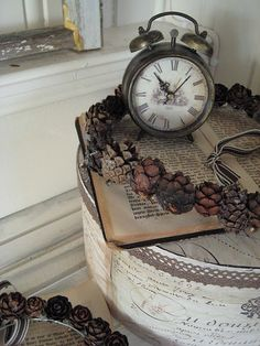 Clock with Shabby Chic Display