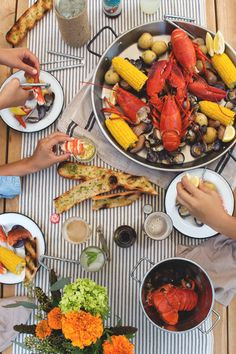 maine lobster boil, via honestly yum