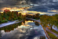 Canal from Bank St. O Canada, Canada Travel, Canada Ontario, Ottawa Ontario, Moving Overseas, Family Road Trips, Amazing Sunsets, Beautiful Places, Beautiful Pictures