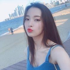 Beautiful Asian Girls, Pretty Girls, Cute Girls, South Korean Girls, Korean Girl Groups, Arin Oh My Girl, Kpop Girl Bands, Normal Girl, Poses