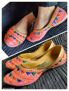 Juttis & Mojaris designer jaipuri jutti Material: Synthetic Sole Material: PVC Fastening & Back Detail: Closed back Pattern: Embellished Multipack: 1 Sizes:  IND-6 (Foot Length Size: 24.2 cm Foot Width Size: 10 cm)  Country of Origin: India Sizes Available: IND-8, IND-9, IND-4, IND-5, IND-6, IND-7   Catalog Rating: ★4 (467)  Catalog Name: Modern Graceful Women Jutis & Mojaris CatalogID_1480123 C75-SC1069 Code: 592-8690586-993