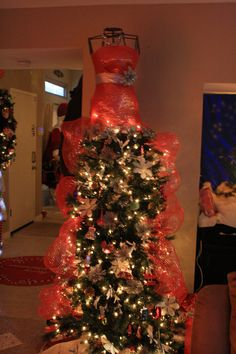 Dress makers tree Xmas 2014