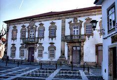 MOIMENTA DA BEIRA (Portugal): Casa das Guedes (Biblioteca Municipal Aquilino Ribeiro).