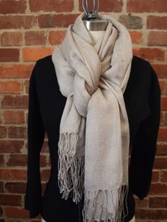 """9 Ways To Tie a Scarf @Madison Korn you have to teach me the """"triangle one""""!!"""