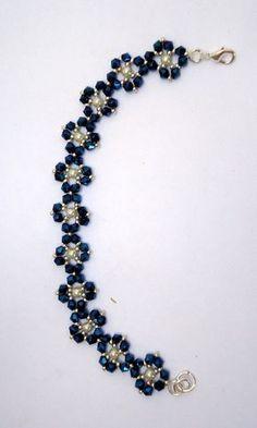 Beaded Jewelry Designs, Bead Jewellery, Diy Schmuck, Schmuck Design, Seed Bead Bracelets, Crystal Bracelets, Jewelry Bracelets, Seed Beads, Pearl Necklaces