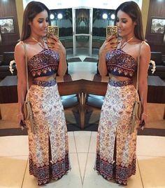 Bom Diaaa ☀️☀️☀️ Conjunto de Cropped e Saia Longa com Fendas e estampa étnica Tam P e M . ▪️Vendas e Informações : ▪️(62) 3921-1127 / 8463-0995. ▪️Camelodromo de Campinas 1 Loja:149/150. ▪️Enviamos para todo Brasil. Classy Casual, Casual Looks, Casual Wear, Look Fashion, Girl Fashion, Womens Fashion, Fashion Design, Cute Dresses, Casual Dresses