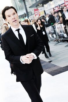 What is it about British men adjusting their cuffs that is so ridiculously attractive? Benedict Cumberbatch.