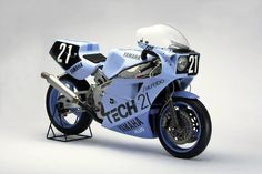 Yamaha FZR 750 Race Bike