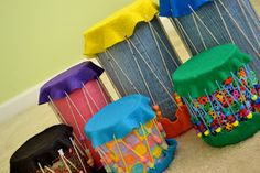 Children love playing with drums and other musical instruments. Here is a little guide that can tell you how to use recyclable containers to make music drums. your kids will love playing their new DIY music drums with old chopsticks all the same. Drums For Kids, Drum Lessons For Kids, Music Crafts, Vbs Crafts, Recycled Toys, Recycled Crafts, Recycled Materials, Formula Can Crafts, Homemade Drum