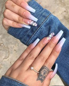 Best Summer Ombre Nails in 2019 Cute blue ombre nails with glitter design - summer nails 2019 Summer Acrylic Nails, Best Acrylic Nails, Aycrlic Nails, Glitter Nails, Coffin Nails, White Acrylic Nails With Glitter, Blue Ombre Nails, Fire Nails, Pin On
