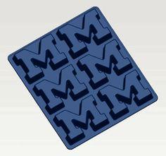 University of Michigan UM Wolverines M Logo Cup Cake & Muffin Pan