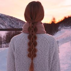 Here is an intricate 5 strand braid inspired by the talented @neebebe #bebexo that I did on Elise. Love the sunset in this picture☀️ -Mia