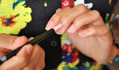 HOW TO - lange nagels    tips om je nagels optisch langer te laten lijken dan ze in werkelijkheid zijn.