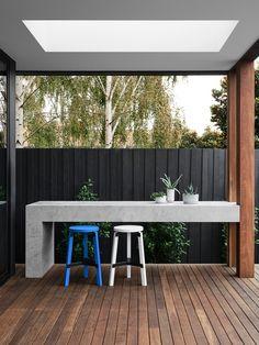 70 creative diy backyard privacy ideas on a budget Privacy Screen Outdoor, Backyard Privacy, Backyard Fences, Backyard Landscaping, Privacy Screens, Backyard Ideas, Fence Garden, Farm Fence, Fence Ideas