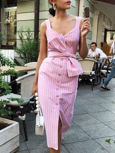 Shop Botão Bowknot listrado através do vestido – Discover sexy women fashion at Boutiquefeel Modest Dresses, Casual Dresses, Pink Dresses, Casual Outfits, Maxi Dresses, Rose Pink Dress, Pink Midi Dress, Modest Wear, Pink Dress Casual