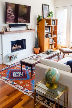 Small Carpet for Living Room. 20 Awesome Small Carpet for Living Room. An Awesome Small Shop for Authentic Moroccan Kilim Rugs Boho Living Room, Living Room Carpet, Living Spaces, Bohemian Living, Living Rooms, Big Rugs, Small Rugs, Moroccan Decor, Moroccan Rugs