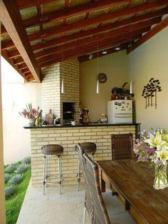 In this artivcle we feature some basic patio design ideas. This one is by Thais Costa Arquitetura & Design Patio Design, Exterior Design, Interior And Exterior, House Design, Backyard Projects, Backyard Patio, Kitchen Decor, Kitchen Design, Balkon Design