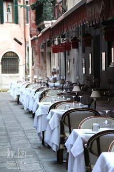 BeingRuby-Venice- would love to eat there :) Trieste, Amalfi, Palermo, Elba, Verona, Outdoor Cafe, Outdoor Dining, Sidewalk Cafe, Italian Life