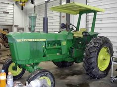 John Deere 4020 tractor salvaged for used parts. This unit is available at All States Ag Parts in Black Creek, WI. Call 877-530-2010 parts. Unit ID#: EQ-25431. The photo depicts the equipment in the condition it arrived at our salvage yard. Parts shown may or may not still be available. http://www.TractorPartsASAP.com