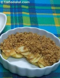 Healthy Apple Crumble--no butter or flour. and only 1 tbsp of sugar! 133 calories per serving. Too good to be true! :'D