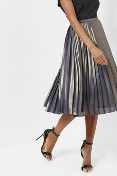 Update your wardrobe for less with 30% OFF some of this season's favourite styles at Ted Baker – think elegant dresses, sophisticated tops and that dreamy metallic pleated skirt.