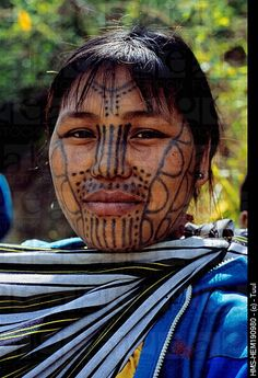 Asia | Portrait of a Chin woman of the Muun tribe with facial tattoos, Mindat, Myanmar #tattoo