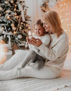 Best Photography Ideas Family Holiday 54 Ideas - Stacey H Burrage Xmas Photos, Family Christmas Pictures, Holiday Pictures, Family Holiday, Xmas Family Photo Ideas, Holiday Ideas, Family Pictures, New Year Photoshoot, Mommy And Me Photo Shoot