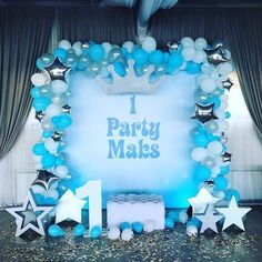 blue and white, prince or king theme - First Birthday Party Decor - meadoria Prince Birthday, 1st Boy Birthday, 1st Birthday Parties, Party Kulissen, Party Fiesta, Ballon Decorations, Baby Shower Decorations, First Birthday Decorations Boy, Deco Ballon