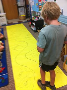 This is a great way to help children with retelling a story.  It builds comprehension, sequencing and it is fun!  It is simple – on a long piece of bulletin board paper – draw a winding path.  At the beginning of the path, draw a visual clue of the first event.  I did this Storytelling …