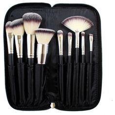 Morphe 9-Piece Deluxe Vegan Brush Set (39 AUD) ❤ liked on Polyvore featuring beauty products, makeup, makeup tools, makeup brushes, beauty, filler, set of makeup brushes, foundation brush, powder brush and foundation makeup brush