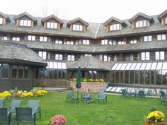 Vonn Trapp Family Lodge Stowe Vermont - I've stayed here, visited twice <3 ~ Teri