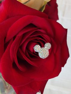 Disney Hidden Mickeys Bouquets-Centerpiece-Original Creator-Flower Picks-Floral Pins-Flower Post-Clear-Clear AB on Etsy made this lovely hidden Mickey inspired bouquet centerpiece for a Disney wedding. Hidden Mickey Wedding, Mickey Mouse Wedding, Disney Wedding Centerpieces, Centerpiece Decorations, Wedding Decorations, Bridal Flowers, Flower Bouquet Wedding, Disney Inspired Wedding, Disney Weddings