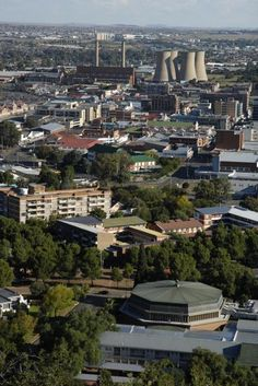 There's just something about Bloemfontein SA. Spent many happy days in the city conducting Customer Service Training. The people of Bloemfontein are awesome :) Places To Travel, Places To See, African Image, Free State, City Aesthetic, Famous Places, Live, South Africa, Landscape Photography