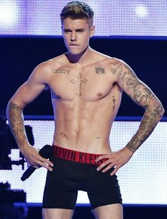Justin Bieber strips down at Fashion Rocks 4 - Justin Bieber | Songs | Videos | News | Photos | Lyrics | Concert | Games | Tickets 2014