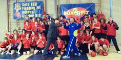Box2bfit Championship Challenge Hard Headteacher shows the children how it is done !.