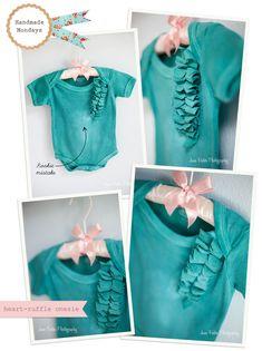 ruffled hearts. tutorial here: http://heylucy.typepad.com/heylucy/2008/08/t-shirt-tutoria.html