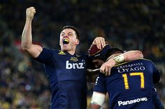 Ben Smith celebrates the Highlanders first Super Rugby title. Photo by Getty Images.