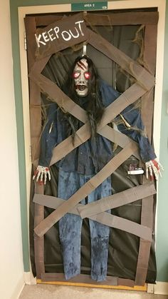 Below are the Decorations Ideas For A Frightening Halloween Party. This post about Decorations Ideas For A Frightening Halloween Party was posted under the category by our team at February 2019 at pm. Hope you enjoy it and . Halloween Prop, Halloween Front Door Decorations, Halloween Front Doors, Theme Halloween, Halloween Door Hangers, Halloween Classroom Decorations, Outdoor Halloween, Modern Halloween, Zombie Decorations