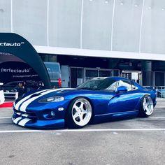 Nice Viper, but fix the damn stance! Viper Car, Dodge Viper, Sexy Cars, Hot Cars, My Dream Car, Dream Cars, Dodge Muscle Cars, Import Cars, Unique Cars