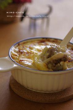 「カレー」「ご飯」「玉葱」を使った美肌レシピ「カレーのアレンジ!カレードリア☆」を紹介しています。肌トラブルや美容成分でレシピ検索ができる女性のためのレシピサイトです。 Curry, Food And Drink, Pudding, Yummy Food, Cooking, Desserts, Recipes, Japanese, Kitchen