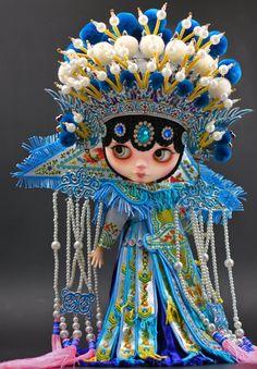 Luxury Collection Anniedollz Peking Opera Custom Blythe