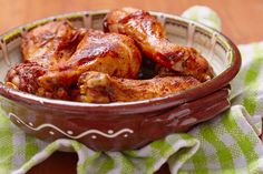 Slow Cooker Texas-Style Barbecued Chicken - Chicken legs are slow cooked in a spiced, smoky barbecue sauce. You can use other chicken pieces as well, just adjust the cooking time as needed if using white meat. Chicken Leg Recipes, Chicken Legs, Slow Cooker Recipes, Crockpot Recipes, Barbecue Chicken, Bbq, Barbecue Sauce, Roast Chicken, Gastronomia