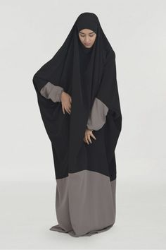Never seen a colour-blocked jilbab before, definitely gives it some nice dimension!