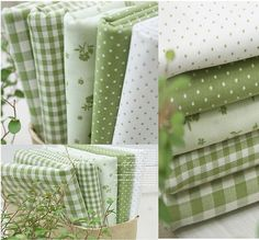 Smoothie Green 5 Different Kinds Quilt Fabric Bundle Sewing Crafts, Sewing Projects, Sewing Tutorials, Fabric Patterns, Sewing Patterns, Shabby Chic Fabric, Quilt Material, Fabric Combinations, Fabric Samples
