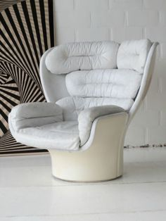 JOE-COLOMBO-ELDA-CHAIR-FAUTEUIL-SESSEL-COMFORT-ITALY-END-1960s-WHITE-BLANC-CUIR