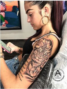 10 Most Beautiful Tattoos For Women - Top 500 Best Tattoo Ideas And Designs For Men and Women Hand Tattoos, Forearm Sleeve Tattoos, Body Art Tattoos, Small Tattoos, Tattoo Arm, Tiger Tattoo Sleeve, Tribal Tattoos, Leo Lion Tattoos, Lion Tattoo Sleeves