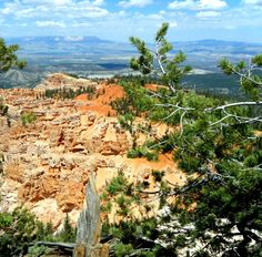 Looking west from Bryce Canyon NP to Zion NP in the west.