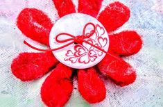 Flower in love. Girls brooche and hair clip and bag pin Beautiful Flowers Garden, Love Flowers, Spring Flowers, Fabric Flowers, Beautiful Gardens, Bag Pins, Flower Brooch, Maya, Hair Clips