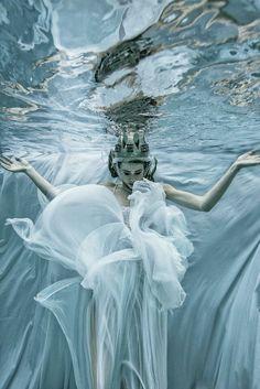 "Fantasy | Magical | Fairytale | Surreal | Enchanting | Mystical | Myths | Legends | Stories | Dreams | Adventures | ""La reine des glaces. Romi Burianova"